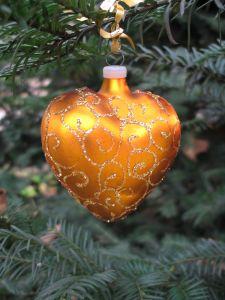 400529_christmas_ornament2.jpg